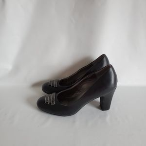 Life stride black size 10 wide ladies shoes